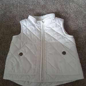 Baby Gap ivory quilted puffer vest size 18-24 mos